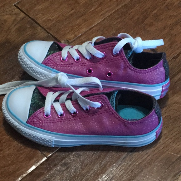 Converse Other - Girls converse size 11 pink sparkle shoes NEW 6b2f82b87
